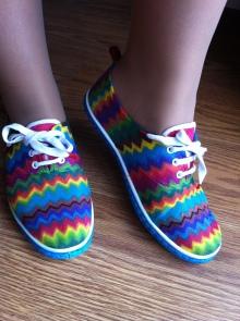 DIY Zig-zag shoes finished!