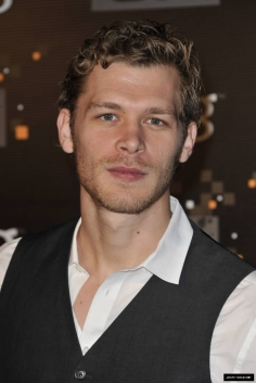 Joseph Morgan as Christian Grey?